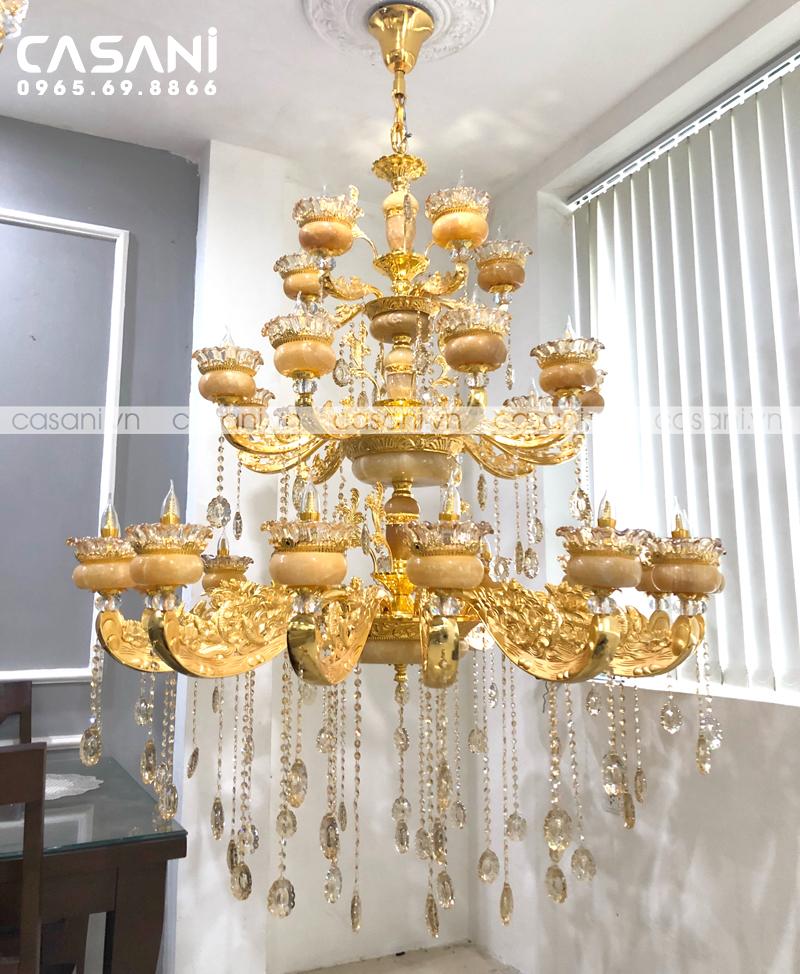Những mẫu đèn chùm cho phòng khách độc đáo, ấn tượng