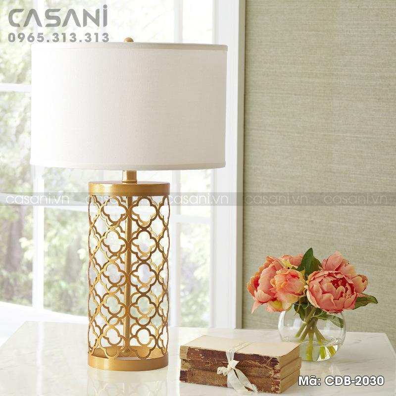 đèn bàn trang trí khách sạn