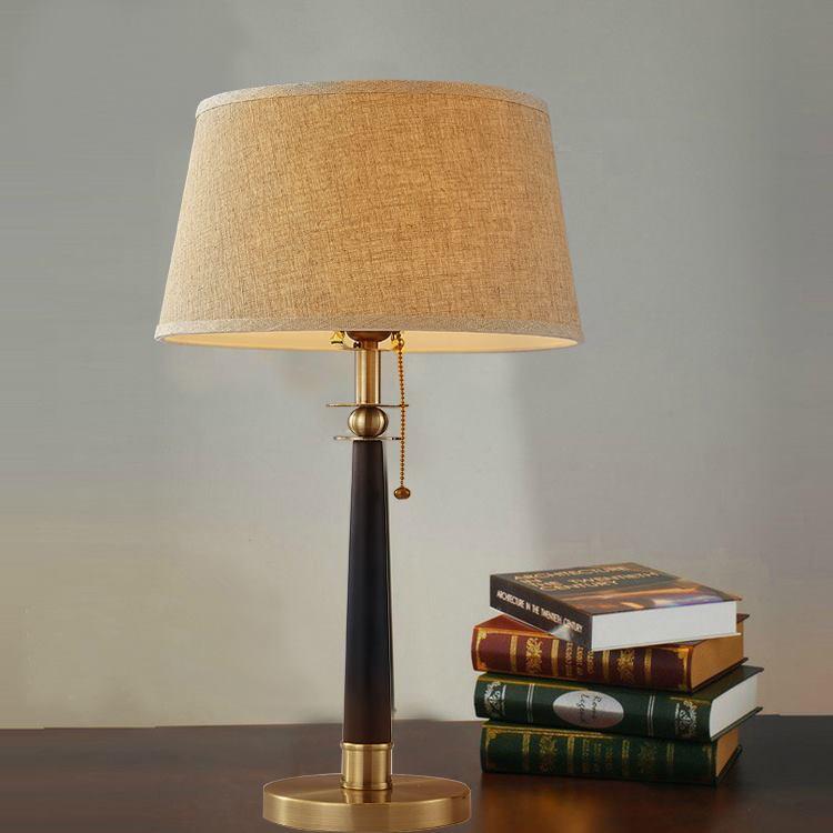 Đèn bàn trang trí phòng ngủ hiện đại