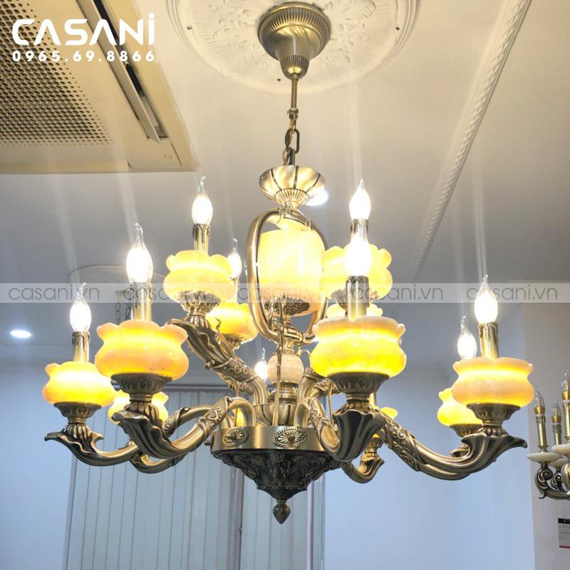 Bí quyết chọn lựa đèn chùm đồng nến phù hợp cho gia đình