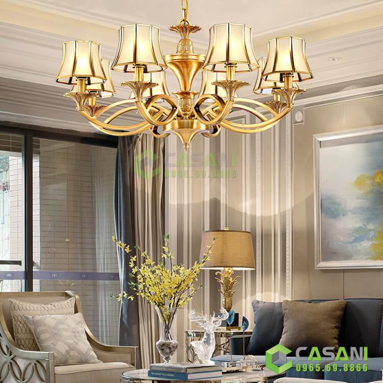 Có nên chọn đèn chùm đồng trang trí phòng khách?