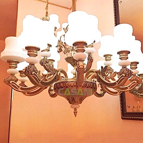 Những mẫu đèn chùm phong cách Châu Âu cho phòng khách hiện đại